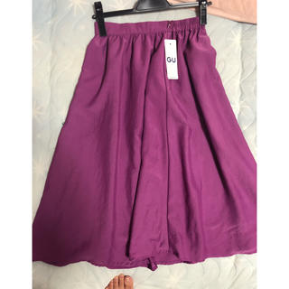 ジーユー(GU)のフレアスカート (ひざ丈スカート)