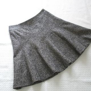 クミキョク(kumikyoku(組曲))の組曲 フレアースカート シルク混ツイード ブラック系 S2 小さいサイズ♪(ミニスカート)