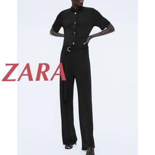 ザラ(ZARA)のボタン付きフィルド地ジャンプスーツ(オールインワン)
