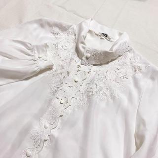 Lochie - vintage ハイネック 花柄刺繍 クラシカルレトロブラウス