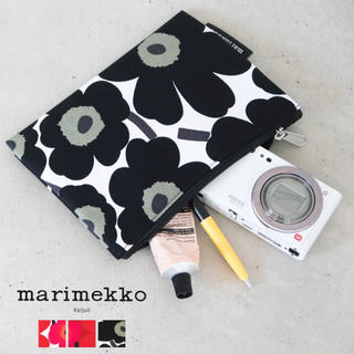 marimekko - 新品☆マリメッコ  ポーチ ウニッコ ホワイト×ブラック