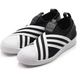 アディダス(adidas)の13《新品》adidas originalsスーパースタースリッポン23.5cm(スリッポン/モカシン)