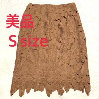 ジーユー(GU)の【ほぼ未使用】 GU レースタイトスカート キャメル S(ひざ丈スカート)