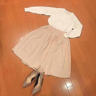ジーユー(GU)のGU  ジーユー  フレアスカート  ☆新品☆(ひざ丈スカート)