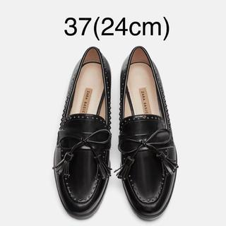 ザラ(ZARA)の【タグ付き新品】ザラ スタッズ ローファー 37(ローファー/革靴)