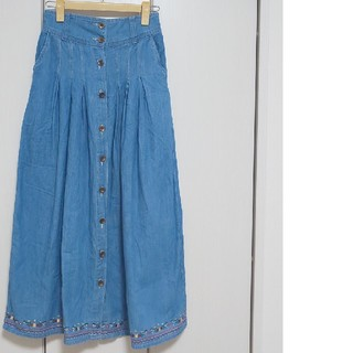 しまむら - デニム 刺繍 ロングスカート Mサイズ