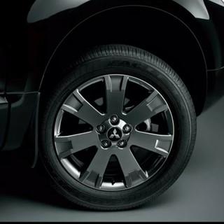 ミツビシ(三菱)のタイヤ&ホイール デリカD5シャモニー10周年モデル純正(タイヤ・ホイールセット)