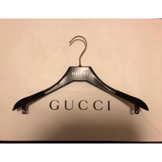 グッチ(Gucci)の新品未使用☆GUCCI☆ベルベット プラスチック ハンガー(押し入れ収納/ハンガー)