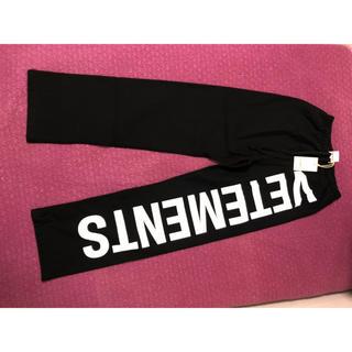 18fw vetements ロゴ ジョガーパンツ s ブラック(その他)