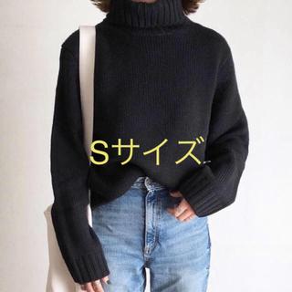 GU - GU  ローゲージタートルネックセーター
