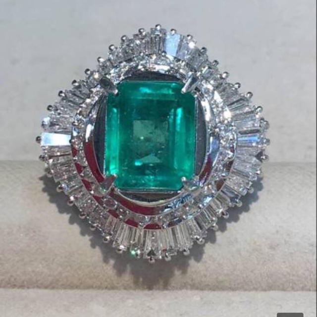 Pt900 エメラルド3.20ct ダイヤモンド2.95ct リング  レディースのアクセサリー(リング(指輪))の商品写真