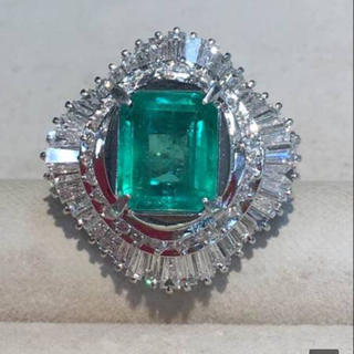 Pt900 エメラルド3.20ct ダイヤモンド2.95ct リング (リング(指輪))