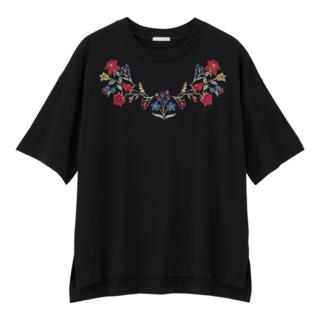 ジーユー(GU)の【ふくふく様専用】GU ジーユー エンブロイダリーT(Tシャツ(半袖/袖なし))