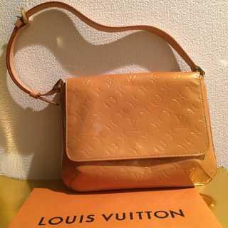 ルイヴィトン(LOUIS VUITTON)の美品 本物 ルイ ヴィトン ヴェルニ ショルダーバッグ 正規品 まだまだ使える(ショルダーバッグ)