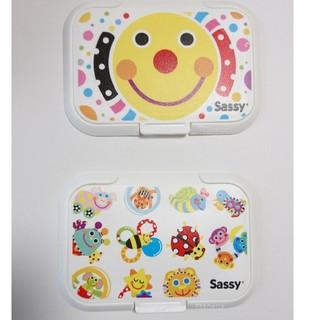 サッシー(Sassy)のsassy おしり拭きのふた ビタット 二個セット☆(ベビーおしりふき)
