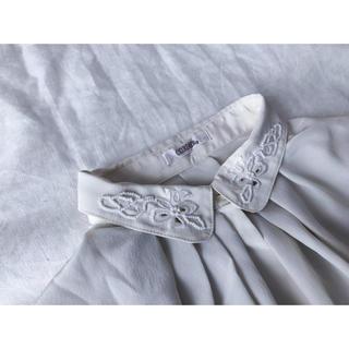 刺繍えりのホワイトシャツ(シャツ/ブラウス(長袖/七分))