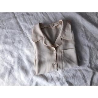 アイボリーの開襟シャツ(シャツ/ブラウス(長袖/七分))