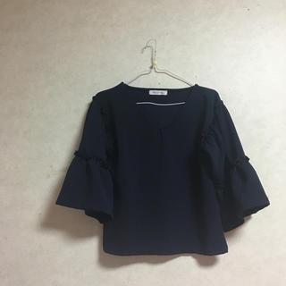 シマムラ(しまむら)の紺 フリル  ブラウス(シャツ/ブラウス(長袖/七分))