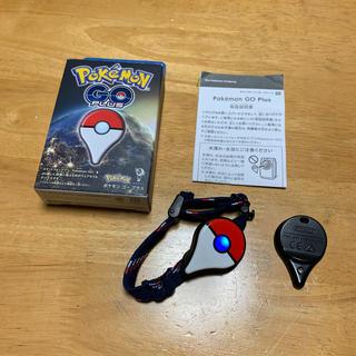 ポケモン(ポケモン)のポケモン ゴープラス 中古 pokemon go plus(携帯用ゲーム本体)