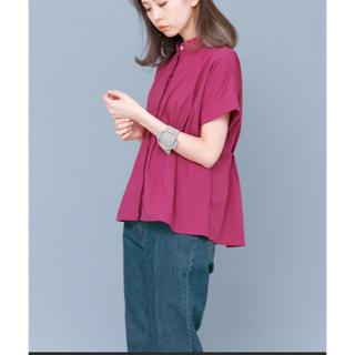 KBF - KBF ノーカラーペプラムシャツ ピンク