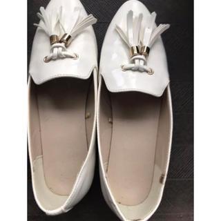 ジーユー(GU)の白 ローファー(ローファー/革靴)