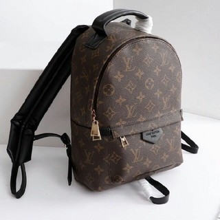 LOUIS VUITTON - LOUIS VUITTON バックパック