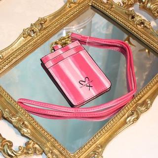 Victoria's Secret - 送込み★新品ヴィクトリアシークレットIDカード/パスケース/ネックストラップ付