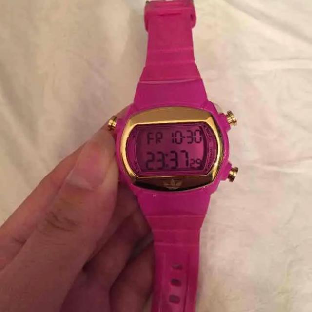 adidas(アディダス)の美品★アディダス★時計 レディースのファッション小物(腕時計)の商品写真