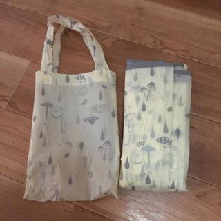 スリーコインズ(3COINS)のスリーコインズ☆フード付きレインポンチョ&袋付き(レインコート)