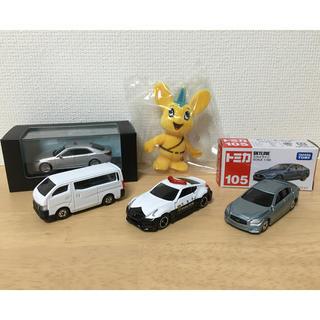 トヨタ(トヨタ)の送料込レイズクラウン覆面+トミカ日産フェアレディZパト+スカイライン+キャラバン(ミニカー)