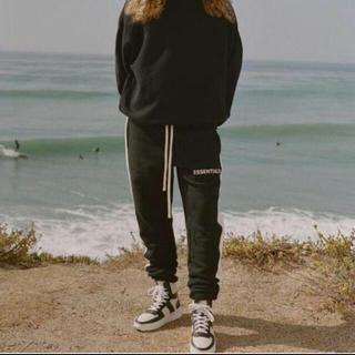 フィアオブゴッド(FEAR OF GOD)のMサイズ Essentials Side Stripe Sweatpants(その他)