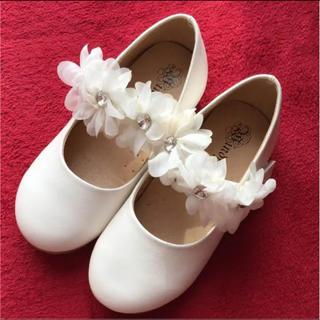 女の子☆フォーマル 靴 パンプス☆19㎝☆ホワイト 入学式 卒園式 結婚式等に(フォーマルシューズ)