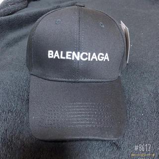 バレンシアガ黒帽子
