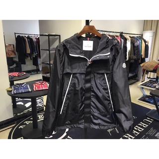 モンクレール(MONCLER)のmoncler薄いジャケット ブラック メンズLサイズ(テーラードジャケット)