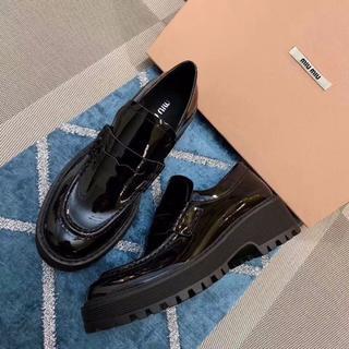 miumiu  厚底 革靴 黒