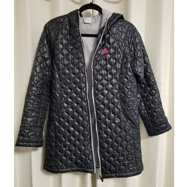 adidas(アディダス)のアウター レディースのジャケット/アウター(ダウンジャケット)の商品写真