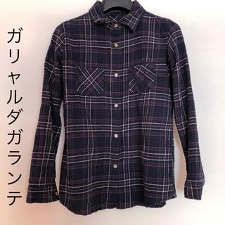 ガリャルダガランテ(GALLARDA GALANTE)のネイビーのチェックシャツ ネルシャツ.(シャツ/ブラウス(長袖/七分))