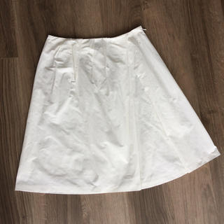 アンタイトル(UNTITLED)のアンタイトル  ホワイトスカート(ひざ丈スカート)
