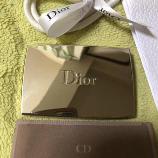 クリスチャンディオール(Christian Dior)のディオール 美品カプチュールトータルトリプルコレクティングパウダー010(ファンデーション)