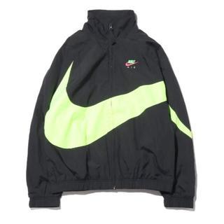 ナイキ(NIKE)のnike city neon black XL(ナイロンジャケット)