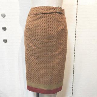 ニジュウサンク(23区)の美品✨23区❤️ベルト付き タイトスカート(ひざ丈スカート)