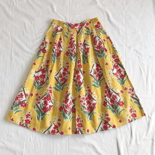 ビュルデサボン(bulle de savon)のプリムラプリント タックミディアムスカート(ひざ丈スカート)