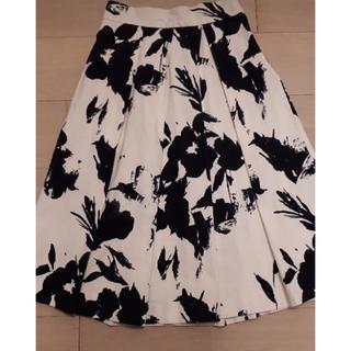 ZARA - モノトーン フラワー スカート