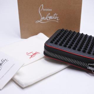 Christian Louboutin - クリスチャンルブタン 二つ折り財布 スタッズ コンパクト 箱付き 未使用 正規