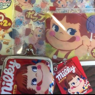 ペコちゃん 3pファスナーケースポップキャンディ と がま口コインパース