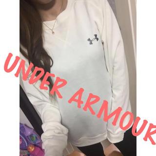 アンダーアーマー(UNDER ARMOUR)のアンダーアーマー♡UNDER ARMOUR♡シンプル♡刺繍ロゴトレーナー♡SM♡(トレーナー/スウェット)