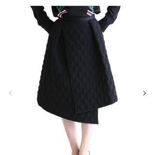 バーニーズニューヨーク(BARNEYS NEW YORK)のアキラナカキルティングスカート(ひざ丈スカート)