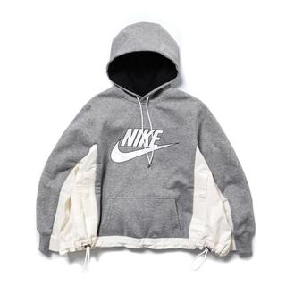 サカイ(sacai)のNIKE  sacai womens 新品未使用 グレーホワイトパーカー 白灰色(パーカー)