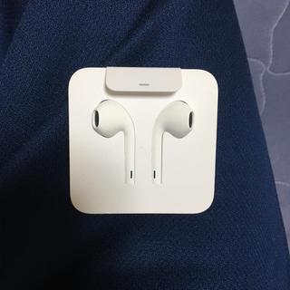 アイフォーン(iPhone)のiPhone イヤホン+アダプター(ヘッドフォン/イヤフォン)