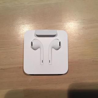 アップル(Apple)のiphone純正 イヤホン(ヘッドフォン/イヤフォン)